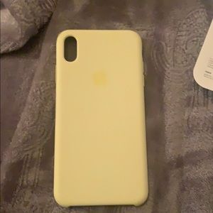 "iPhone XS Max silicone case in ""mellow yellow"""
